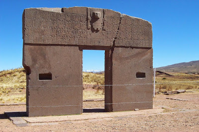 04-The-Gateway-of-the-Sun-from-the-Tiwanku-civilization-in-Bolivia